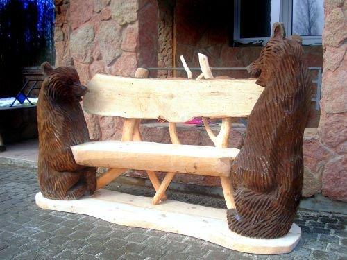 Скульптуры из бревен