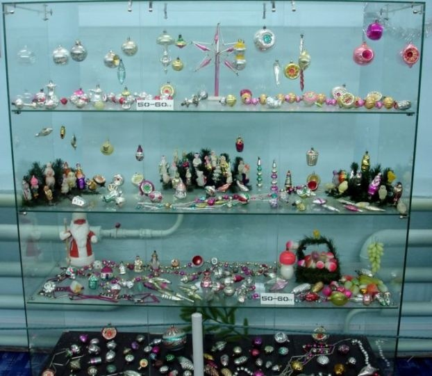 Почему надо покупать стеклянные российские ёлочные игрушки