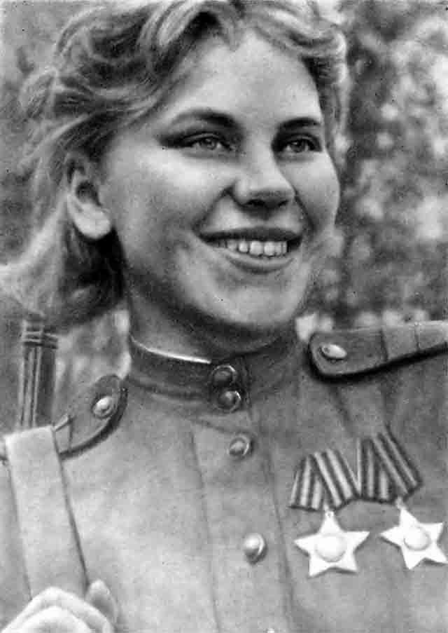 Роза Шанина - красавица-снайпер из Архангельской области.