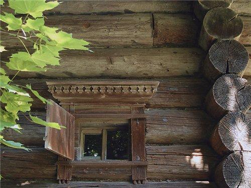 Крестьянская изба и домовая резьба. Наличники