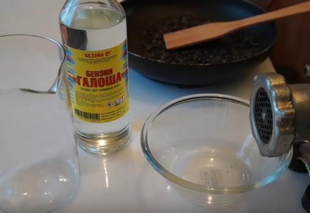 Очистка подсолнечных масел в домашних условиях