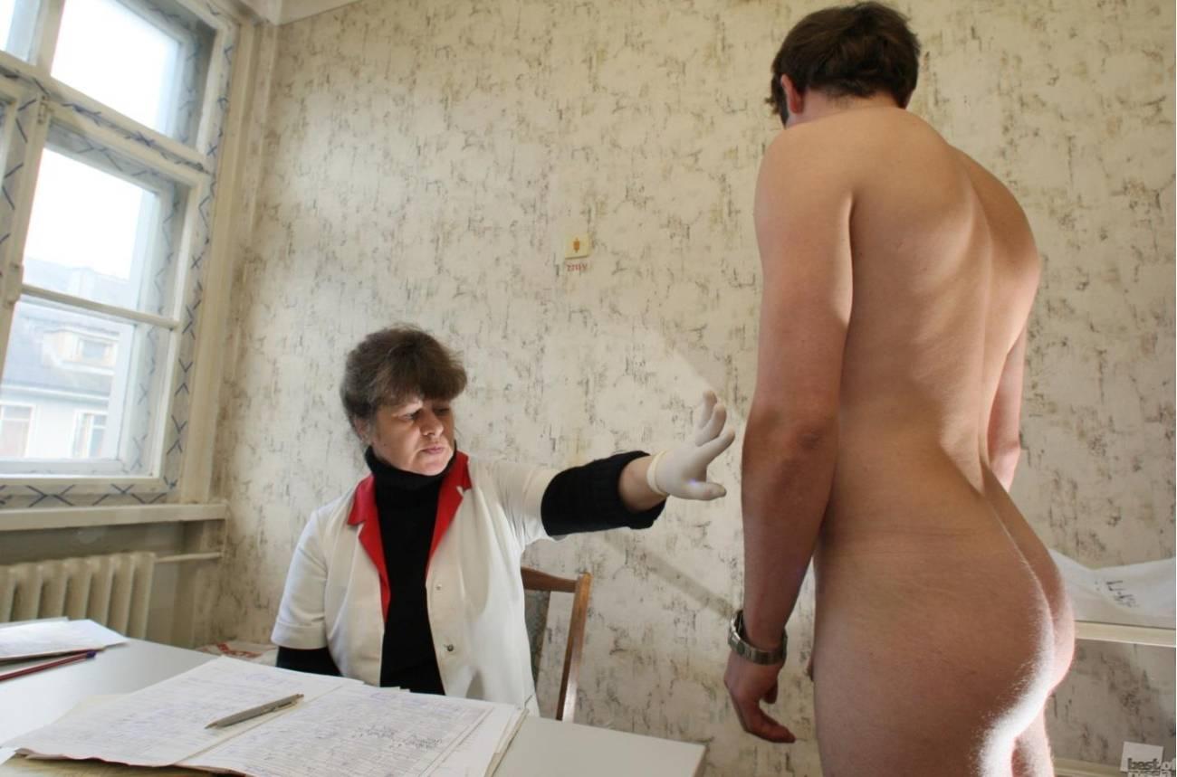 Призывник медсестра голый